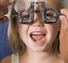 Παιδί και οφθαλμίατρος